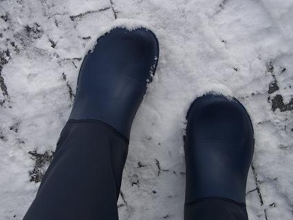 レインブーツ 雪の日