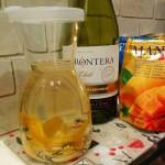 お手軽値段の白ワインで簡単サングリアをつくる!
